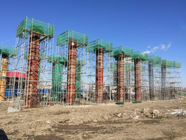 天津地铁5号线工程大量使用我公司生产的Φ1200圆柱模板